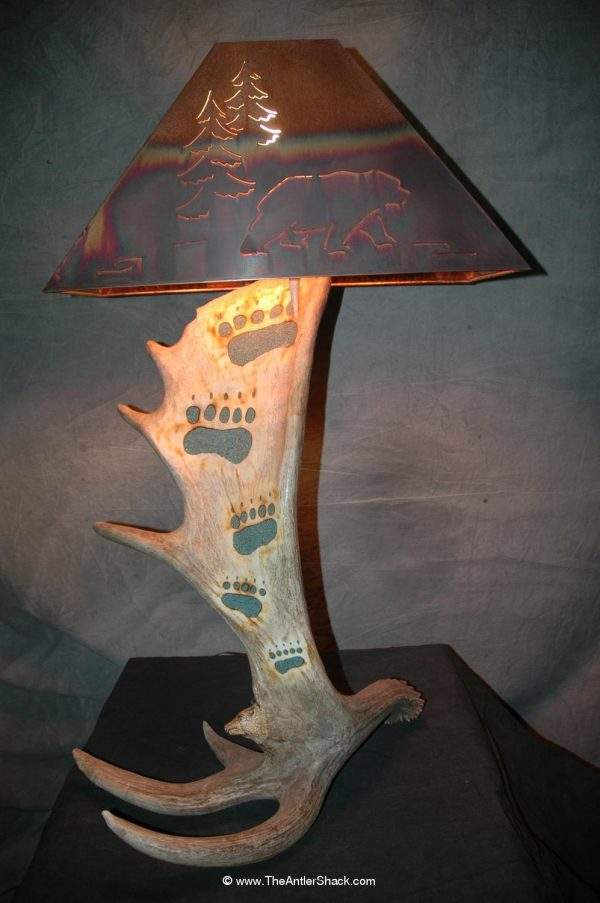 Moose with Grizzly tracks and Carving - The Antler Shack Antler Lamp Clear Castings