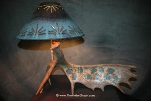Moose Lamp with Turquoise Grizzly tracks - The Antler Shack Antler Lamp Clear Castings